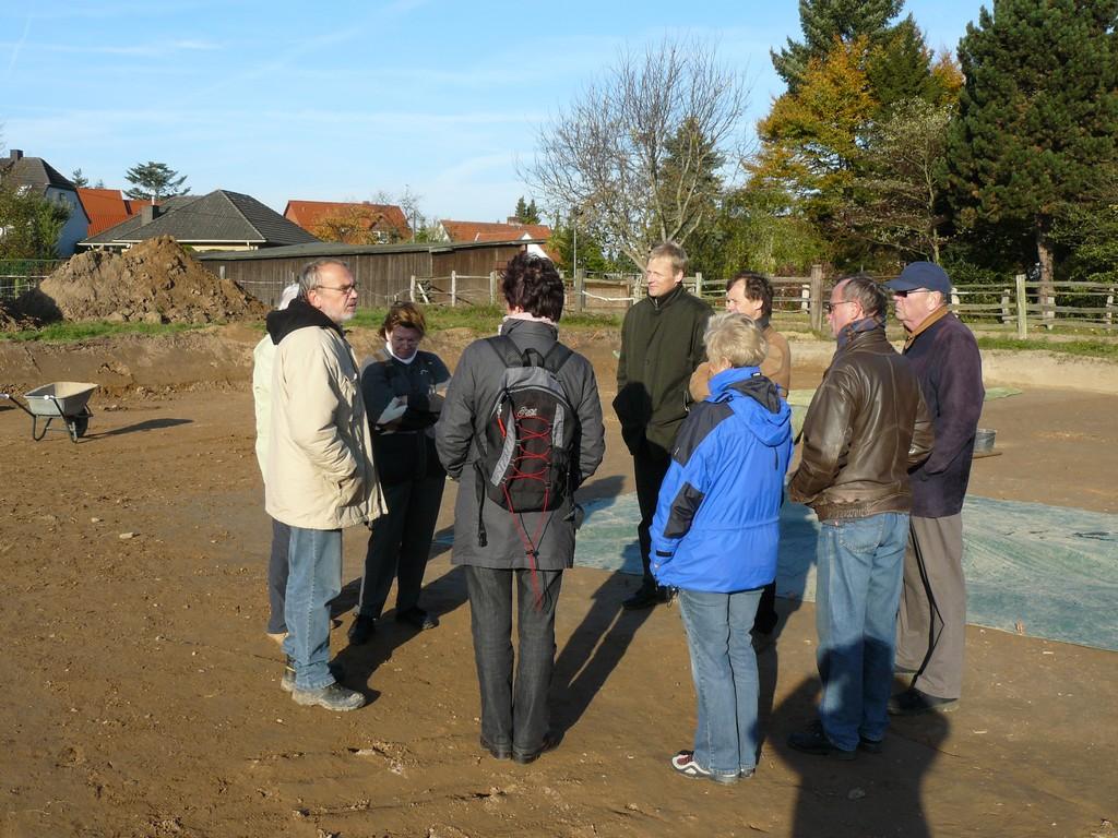 AK Archäologie bei der Grabung am Römer-Rastplatz in Porta Westfalica